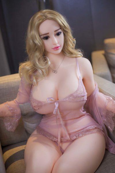 Clara Curvy Sexy and Mature Sex Doll